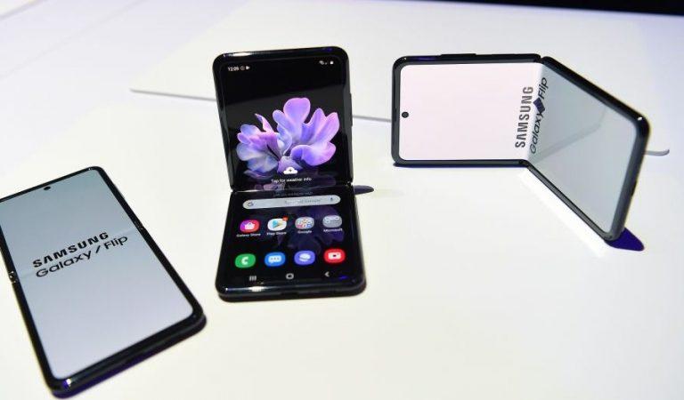 Samsung Galaxy Z Flip Bukan Generasi Penerus Fold